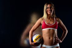 If all goes as planned, professional beach volleyball player April Ross will be on top of the podium in the upcoming Rio Games. April and her partner, Kerri Olympic Volleyball Players, Usa Volleyball, Volleyball Training, Olympic Games Sports, Coaching Volleyball, Olympic Athletes, Olympic Gymnastics, Gymnastics Quotes, Mikasa