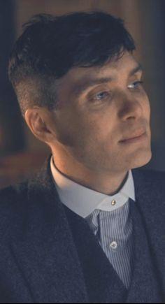 Peaky Blinders Thomas, Cillian Murphy Peaky Blinders, Pretty Men, Pretty Boys, Roaring Twenties, The Twenties, Cillian Murphy Tommy Shelby, Peaky Blinder Haircut, Peaky Blinders Wallpaper