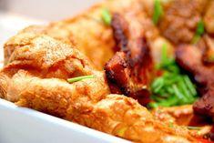 Her er næste uges madplan til dig Scandinavian Food, Danish Food, Omelet, Frittata, Bacon, Chicken Wings, Tapas, Side Dishes, Dinner Recipes