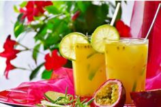 Do you love the taste of passion fruit and want to try your hand at some Latin dishes using the ingredient? Here are 4 delicious passion fruit recipes. Healthy Juice Recipes, Healthy Juices, Healthy Snacks, Healthy Fruits, Healthy Eating, Juice Diet, Juice Cleanse, Tequila, Passionfruit Recipes