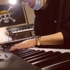 Chanyeol Cute, Park Chanyeol Exo, Kpop Exo, Kyungsoo, Piano Songs, Piano Music, Relaxing Songs, River Flow In You, Exo Songs