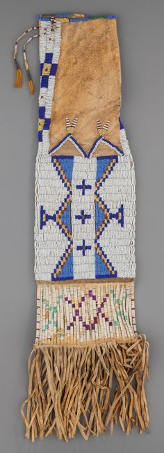 Сумка для табака, Сиу. Была сделана для госпиталя в Пайн Ридж, ЮД. 1890 г. Вид 1.