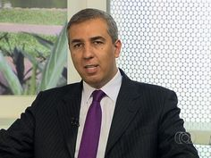 El candidato a la Alcaldía del municipio brasileño de ItumbiaraJosé Gomes da Rochayuno de sus guardaespaldas murieron baleadoscuando participaban de una caravana política acuatro días