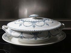 Sopera o legumbrera de porcelana de Staffordshire. El Desván de Bartleby C/. Niebla 13. Sevilla 41011