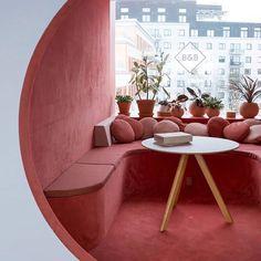Kvistad were engaged by digital studio, Bakken & Bæck, to design their offices located in Oslo, Norway. Norwegian design studio Kvistad recently Restaurant Interior Design, Cafe Interior, Interior And Exterior, Restaurant Interiors, Exterior Design, Interior Design Magazine, Modern Interior Design, Interior Architecture, Color Interior