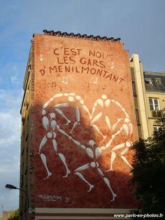Fresque Les gars de Ménilmontant de Jérôme Mesnager, en hommage à Matisse et Maurice Chevalier, au niveau du 68, rue de Ménilmontant Paris 75020. ©GB