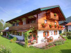 Ferienwohnung in einem urigen Bauernhaus mit Blick auf die Inzeller Berge. #Bavaria #lake #baden #Sommer #summer #holidays #travel #imUrlaubwiezuhausefühlen