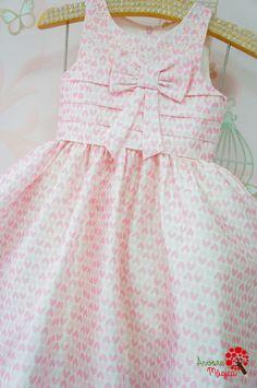 Baby Girl Dress Design, Girls Frock Design, Baby Girl Dress Patterns, Baby Clothes Patterns, Frocks For Girls, Little Girl Outfits, Little Girl Dresses, Kids Outfits, Baby Frocks Designs