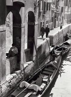 Kertesz - On reading - Venecia Sept 1963