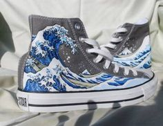 Hand Painted Converse Shoes – The Great Wave Off Kanagawa – Grey Hand Painted Converse Shoes The Great Wave Off by Marleed on Etsy Converse All Star, Converse Shoes, Grey Converse, Custom Converse, Converse High, Vans, Cheap Converse, Great Wave Off Kanagawa, Hand Painted Shoes