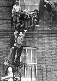 Hillview Estate squatters, London 1977