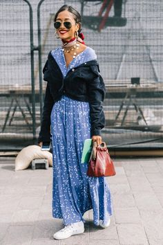 Best Street Style Looks of LFW Spring 2018 - fashion - Street European Street Style, Italian Street Style, Nyc Street Style, Rihanna Street Style, Street Style Vintage, Street Style Outfits, Model Street Style, Street Style Trends, Cool Street Fashion