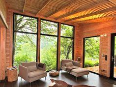 Traumhaftes Holzhaus am See in Heimbach: 1 Schlafzimmer, für bis zu 2 Personen, ab 750 € pro Woche. Luxuriöses Design-Holzhaus mit Privatsauna, Kamin und Panorama-Blick | FeWo-direkt
