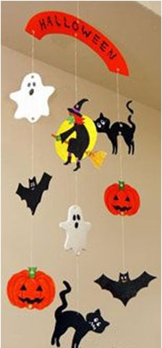 Mobile craft-definitely laminating to keep water safe!Halloween Mobile craft-definitely laminating to keep water safe! Halloween Arts And Crafts, Halloween Activities, Halloween Projects, Easy Halloween, Holidays Halloween, Halloween Themes, Fall Crafts, Holiday Crafts, Halloween Party