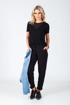 T-shirt decote V em transparência preta Normcore, Boutique, Style, Fashion, Neckline, Black, Moda, Fashion Styles, Fashion Illustrations