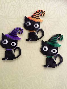 Kids Crafts halloween crafts for kids/black cats Perler Bead Designs, Melty Bead Designs, Hama Beads Design, Diy Perler Beads, Pearler Bead Patterns, Perler Bead Art, Perler Patterns, Halloween Noir, Fete Halloween
