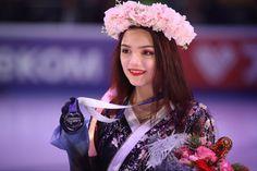 Rostelecom Cup, Memoirs Of A Geisha, Medvedeva, Competition, Crown, Fashion, Girls With Short Hair, Moda, Corona