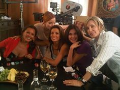 Vanessa Williams (Renee Perry), Marica Cross (Bree van de Kamp), Eva Longoria (Gaby Solis), Teri Hatcher (Susan Delfino), and Felicity Huffman (Lynette Scavo) from Desperate Housewives.
