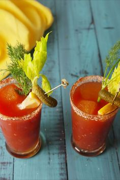 Mimosa Discover Dill Pickle Bloody Mary This bloody mary has a dilly little secret. Fun Drinks, Yummy Drinks, Alcoholic Drinks, Beverages, Vodka Drinks, Milk Shakes, Pickle Vodka, Jameson And Pickle Juice, Pickle Juice Recipe