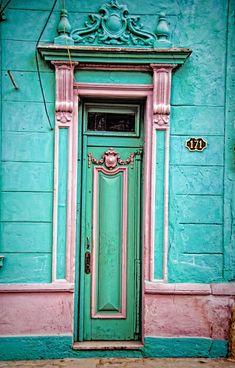 Colors of cuba Grand Entrance, Entrance Doors, Doorway, Old Doors, Windows And Doors, Grey Doors, When One Door Closes, Knobs And Knockers, Door Gate