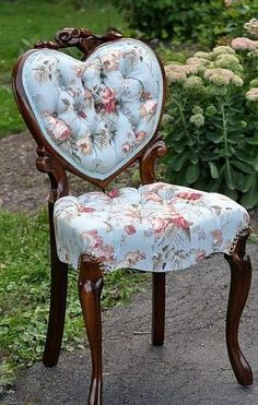It really doesn't look comfortable, but oh how I love the fabric and the heart shaped back!