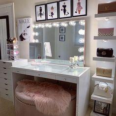 Top Beautiful Teen Room Decor For Girls – Decor Bedroom Decor For Teen Girls, Room Ideas Bedroom, Girl Bedroom Designs, Teen Room Decor, Beauty Room Decor, Makeup Room Decor, Vanity Makeup Rooms, Makeup Vanities, Vanity Room