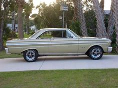 Vintage Cars Muscle Hemmings Find of the Day – 1965 Ford Falcon hardtop - Ask any car guy to name a collectible Ford from the and chances are good the Falcon won't be the first model to roll off his tongue. 65 Ford Falcon, Old School Cars, Ford Classic Cars, Classic Trucks, Ford Fairlane, Car Ford, Ford 4x4, Lifted Ford, Ford Motor Company