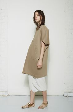 Zero + Maria Cornejo / Ayah Cocoon Coat Zero + Maria Cornejo / Lisse Pleated Wrap Skirt Acne Studios / Lottie Metallic Sandal #lagarconneatelier
