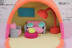 Crochet camper van including all furniture