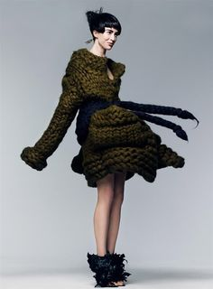Another gloriously chunky, knit garment from the texture story styled by Grace Coddington for the September 2007 issue of Vogue.