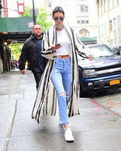 celebstills: Kendall Jenner Casual Style - V New Yorku od mája 2016