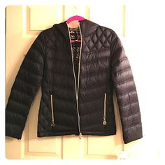 Michael Kors puffy Very cute!! Fits great! Tags still attached. No trades :) Michael Kors Jackets & Coats Puffers