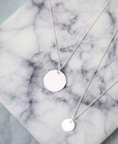 #pikfine #new #jewelry #madeingermany #fair #sustainability #fairfashion #accessoires #925 #silver #wecare #nachhaltigkeit #buylesschoosewell #dot #chain #simple #necklace #minimalism #potd #marble #newin #onlineshop #linkinbio