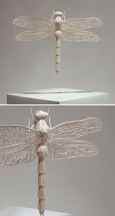 British artist Kyle Bean makes bugs look beautiful with his matchstick sculptures. Dragonfly Photos, Dragonfly Art, Boli 3d, Toothpick Sculpture, Matchstick Craft, 3d Templates, 3d Printed Objects, Stick Art, 3d Pen