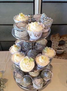 Shabby Chic themed Wedding Cupcakes