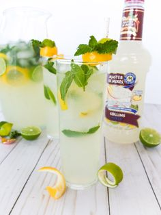 easy gin big batch cocktail is a floral take on the classic Tom Collins drink. Made in a pitcher with Master of Mixes' Collins Mix it has notes of elderflower, mint, lemon and lime. Plus I share how to create big batch cocktails and my tips and tricks to making punch. Elle Talk #ad #MasterofMixes @MasterofMixes