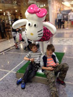 Hello Kitty's #onekindthing