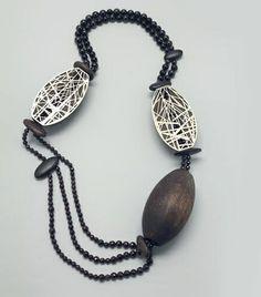 "Francis Willemstijn - necklace 4300€ ""Mastkraal"" new silver, garnets, jet, pine, bog oak  - galerie rob koudijs"