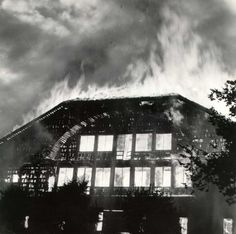 This is not an actual photo from 1905, but of the fire that burned down the Forestry Center in 1964.