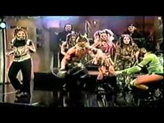 """Throb"" on SNL - Janet Jackson.  Amazing dance routine at 3:05!"