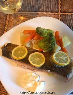 File de crap pe pat de legume la cuptor | Food and beyond… Fish Dishes, Fish Recipes, Salads, Lime, Appetizers, Fruit, Food, Limes, Appetizer