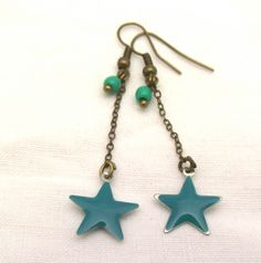 boucles d'oreilles étoile émaillée turquoise : Boucles d'oreille par petits-pois-et-baluchon