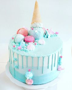 Love the soft colours of this pretty ice cream cake from in Argentina! Ice Cream Cone Cake, Ice Cream Birthday Cake, Ice Cream Party, 14th Birthday Cakes, Birthday Cake Girls, 5th Birthday, Birthday Ideas, Bolo Harry Potter, Cakes To Make