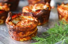 Goat Cheese Quiche, Bacon Quiche, Muffin Tin Quiche, Breakfast Dishes, Breakfast Recipes, Simple Green Salad, Muffin Tin Recipes, How To Cook Potatoes