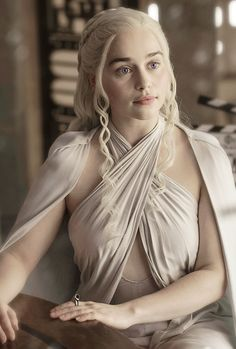 "stormbornvalkyrie:  ♕ Daenerys | Game of Thrones 5.04 ""Sons of the Harpy"" {x}"