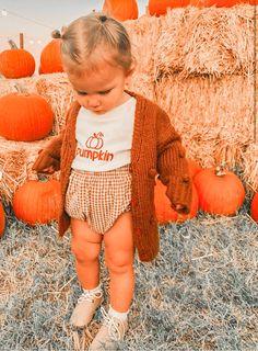 Mom Dad Baby, Baby Kids, Cute Baby Girl, Cute Babies, Baby Girl Fashion, Kids Fashion, Fall, Autumn, Wanting A Baby