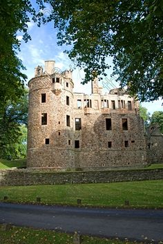12th century ruins of Huntly Castle, Scotland. Seat of the Clan Gordon