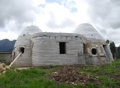The build up and production of our communities possesses a substantial affect on our natural habitat, green building will help minimize that in fact influence. Natural Building, Green Building, Building A House, Building Ideas, Earth Bag Homes, Earthship Home, Adobe House, Natural Homes, Affordable Housing