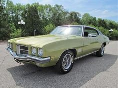 love it, Pontiac LeMans; my first car looked like this, but it was cream with a brown vinyl top and double brown pinstripes. Pontiac Lemans, First Car, Le Mans, Old Cars, Iowa, Muscle Cars, Classic Cars, Automobile, United States