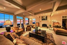 View 31 photos of this $5,950,000, 5 bed, 7.0 bath, 5192 sqft single family home located at 42 Bluff Dr, Pismo Beach, CA 93449 built in 2001. MLS # 17200746.